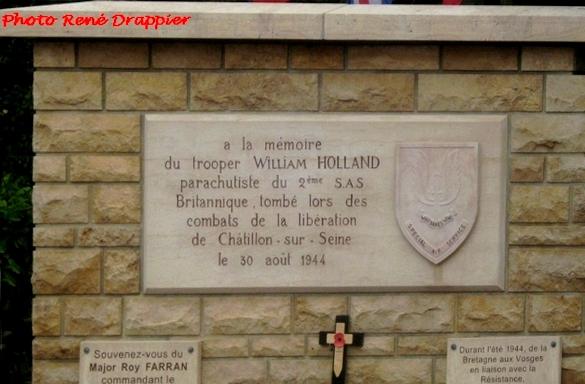 La cérémonie du souvenir de la Libération de Châtillon sur Seine, vue par René Drappier...