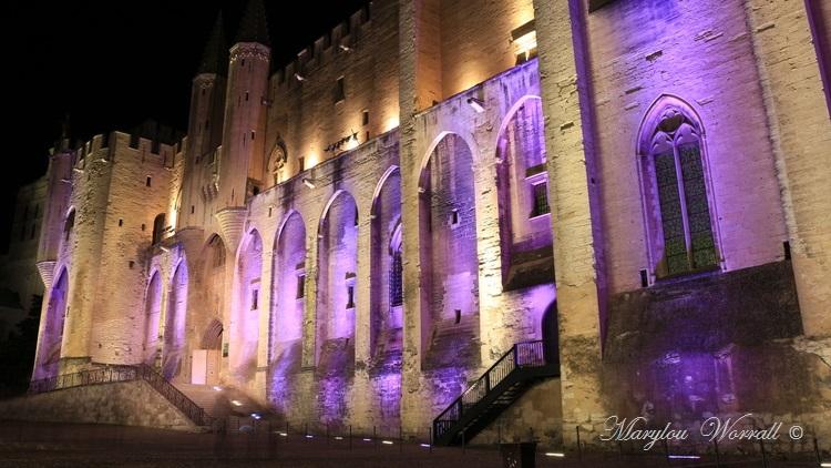 Avignon (84) : Généralités et balade de nuit