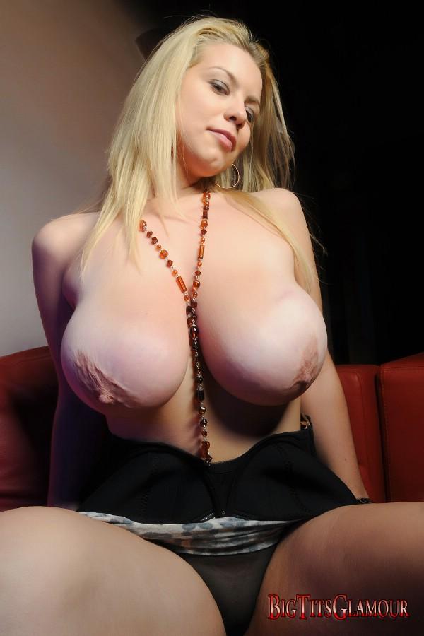 Roxy Campbell -1-