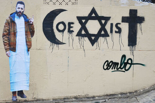 Combo, un street artiste agressé pour son art à Paris ...
