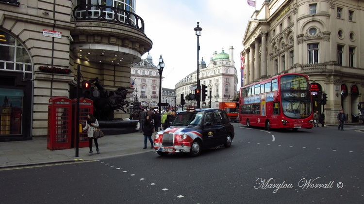 Londres : Bus, taxis etc.