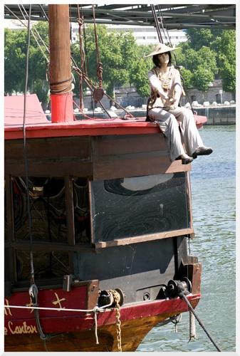 Paris 13ème. Préparation de l'été en bord de Seine.