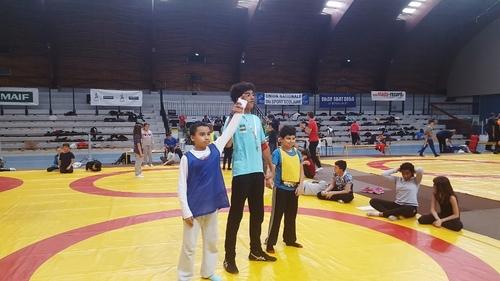 CM2 c tournoi de lutte