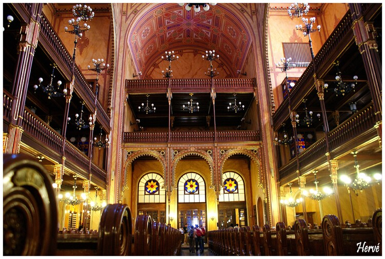 Grande synagogue de Budapest: la plus grande d'Europe.....