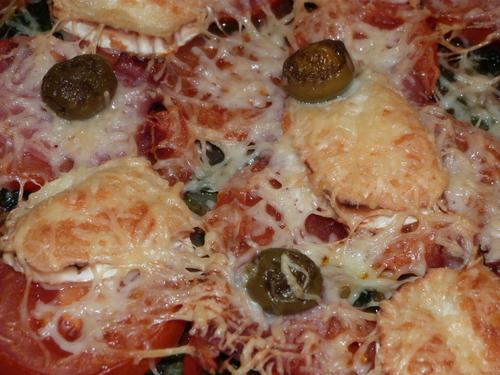 Recette Pizza aux orties, tomates, chèvre