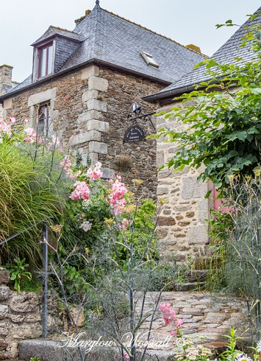 Bretagne : Dinan, Ruelles et Verdure