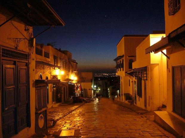 Ruelle de Sidi Bou Saïd la nuit