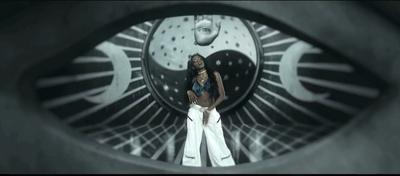 ➤ La star Azealia Banks fait des sacrifices de sang dans son placard...