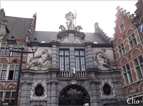Gand ... De l'Ancien Marché aux Poissons au quartier des antiquaires (et curiosités)