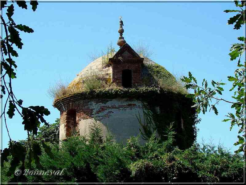 Colombier à pied du Château de Merville toit en coupole