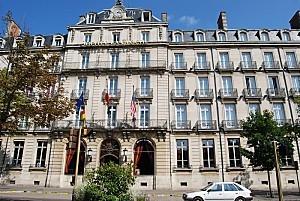 Dijon - place Darcy - l'Hôtel de la Cloche