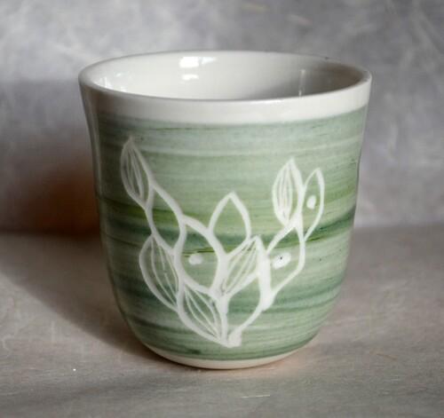 Nouvelles petites suspensions porcelaine pour plantes à découvrir à Auray ou Saint Malo!
