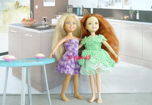 Robes épaules dénudées pour petites Barbie