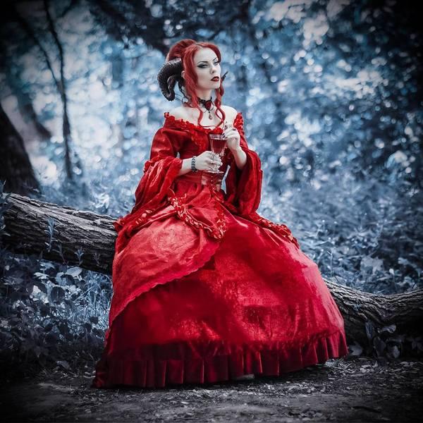 Red gothic romance