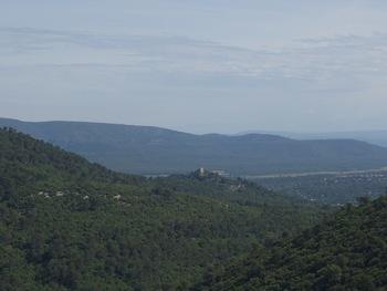 Zoom sur le château de Nans