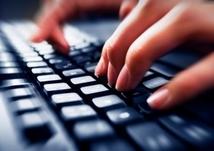mains_clavier_ordinateur