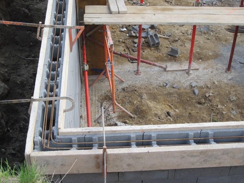 Construction du sous sol notre deuxi me maison mikit - Parpaing de chainage ...