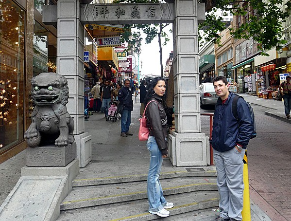 San Francisco Chinatown Gate Max et Charl.2