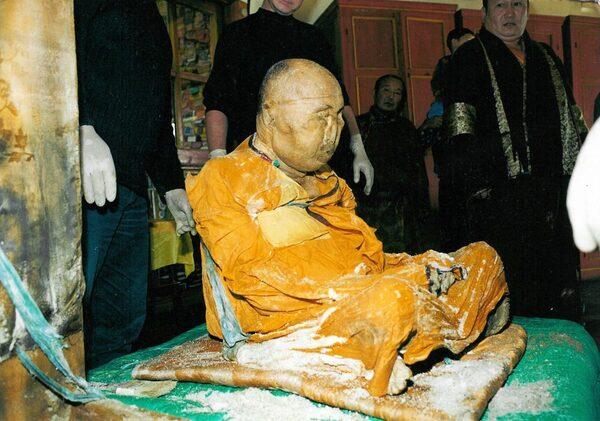 Un moine bouddhiste embaumé il y a un siècle...