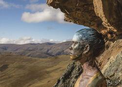 L'artiste Orly Faya fusionne des personnes avec le monde