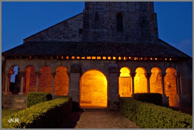 - La petite église de Saint Thierry
