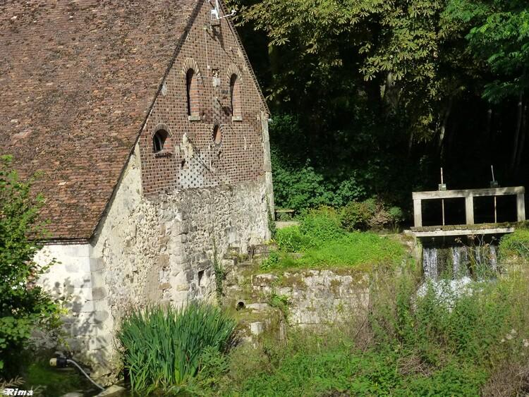Sur la route des moulins,dans le Loiret,