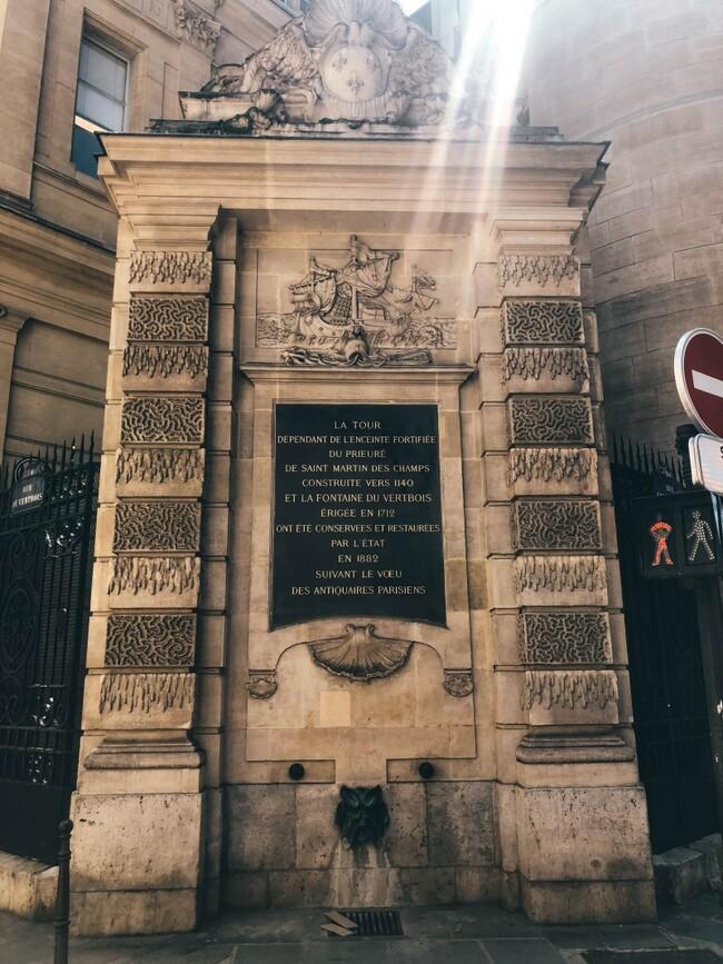 La petite histoire de la fontaine sauvée par Victor Hugo