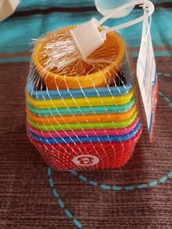 Tasses à empiler pour bébé heureux
