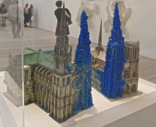 Hiorns cathédrale Saatchi