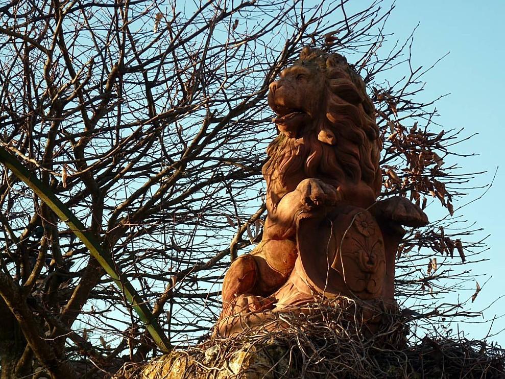 Charmille-Lion.jpg