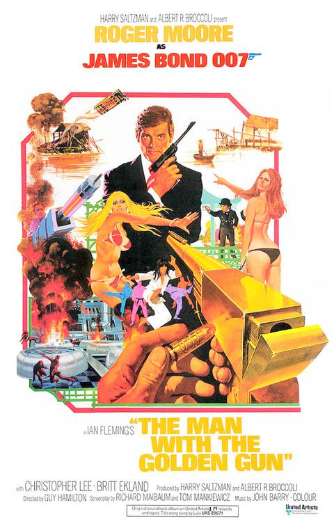 9 - L'homme au pistolet d'or