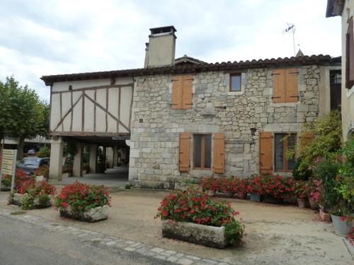 Fourcès, beaux villages de france (dans le gers)