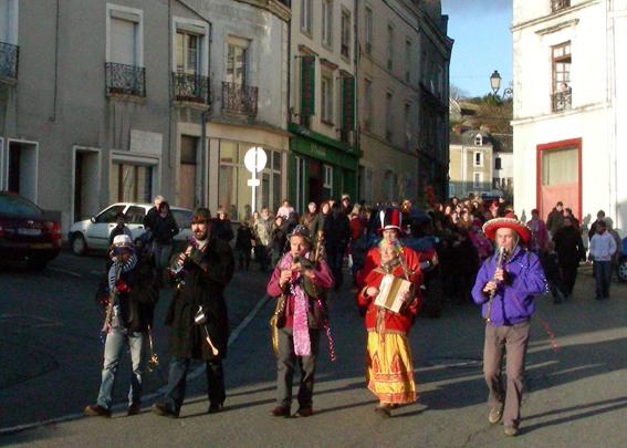 LA BANDA TCHOK - Cortèges, défilés, déambulations, aubades