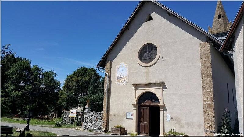 Petit village de Pontis (04) Alpes de Haute Provence