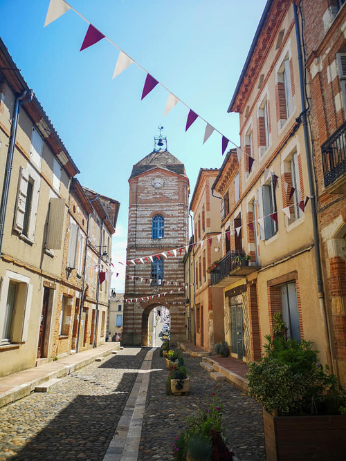 Auvillar  Le village