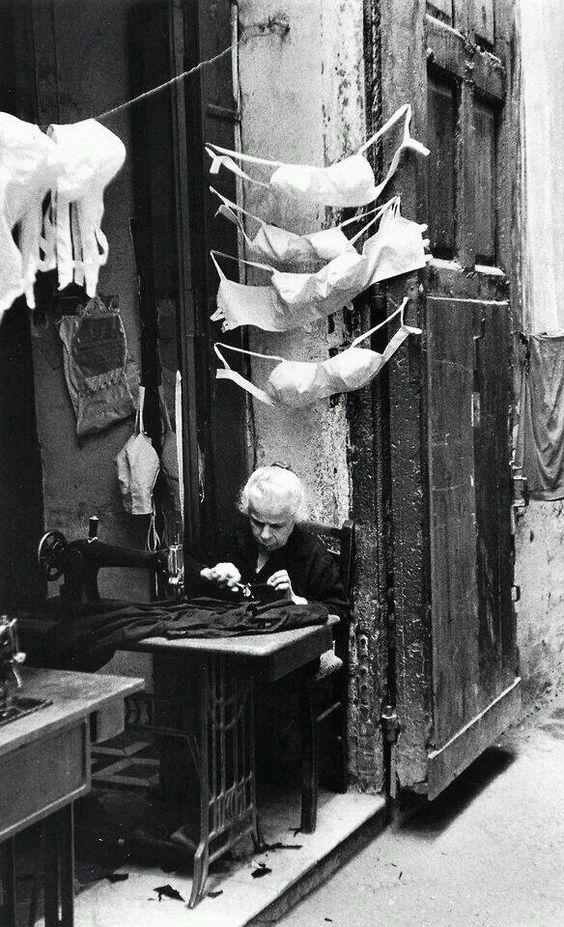 David Chim Seymour - Couturière, Naples, 1957.