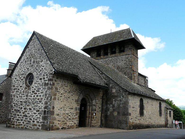 Saint-Bonnet-de-Salers église.jpg