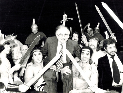 Jean Richard et les gladiateurs de Ben Hur en 1975 au Nouvel Hippodrome de Paris