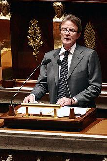 Bernard Kouchner à l'Assemblée nationale, le 11décembre 2007.