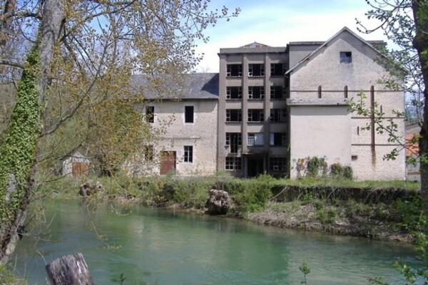 Le moulin des Passes à Châtillon sur Seine a pris feu...