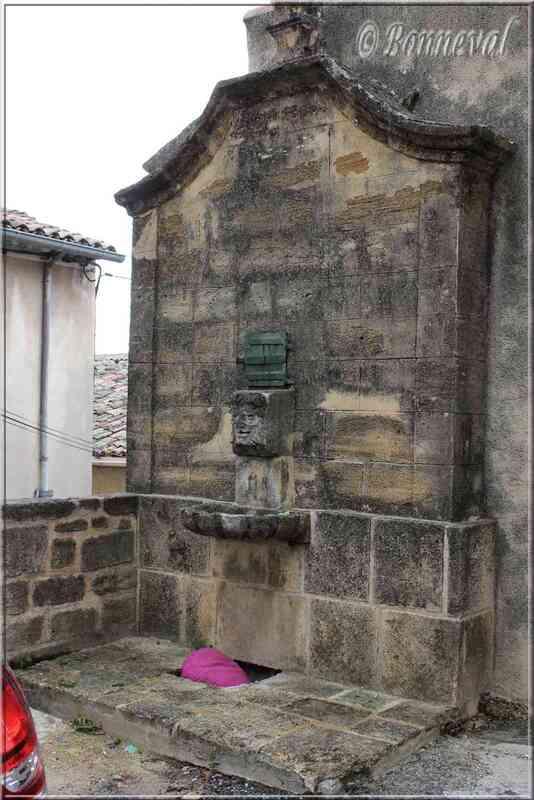 Fontaine Baude Cadenet Vaucluse