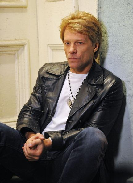 Jon Bon Jovi en tournage du clip de « Not running anymore »