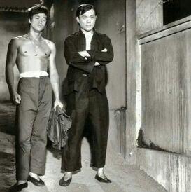 Bruce Lee ;James Tien