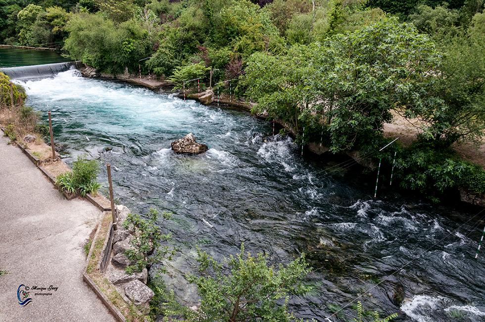 Les eaux de Fontaine de Vaucluse