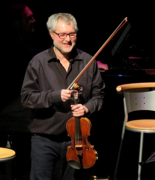 """""""TANTZ !"""" le merveilleux concert de Sirba Octet a ravi le public Châtillonnais du théâtre Gaston Bernard"""