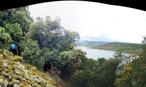 On passe à Laulo, et regarde le Salagou de haut.