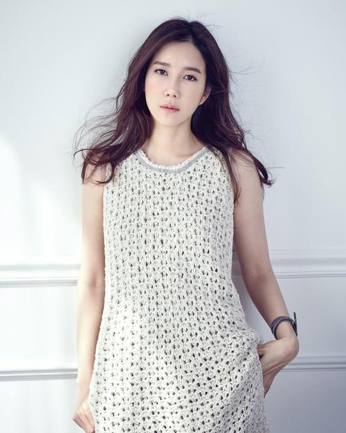 Lee Ji Ah pour Noblesse
