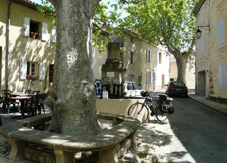 CUCURON (Vaucluse) : suite
