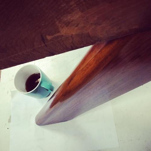 Finition Vernis au tampon sur mobilier contemporain