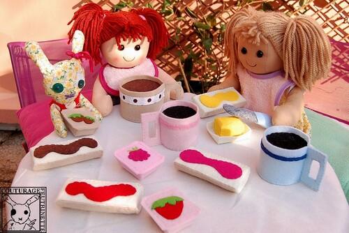 Déjeuner, feutrine, tartine, tasse à café, confiture
